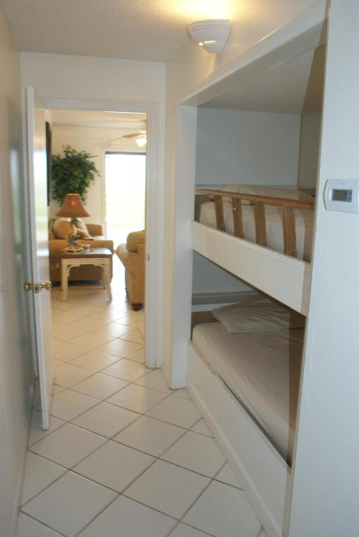 Great Bunk Area in Hall Alcove