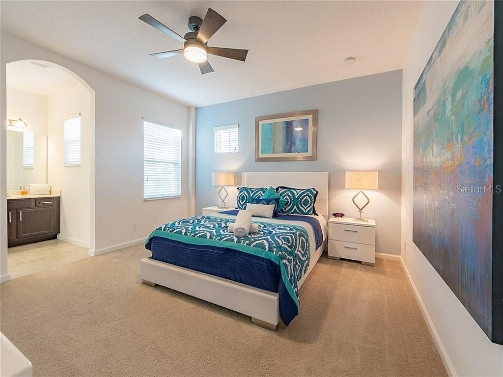Bedroom 4 - Queen Bed, private access to hallway bath (upstairs)