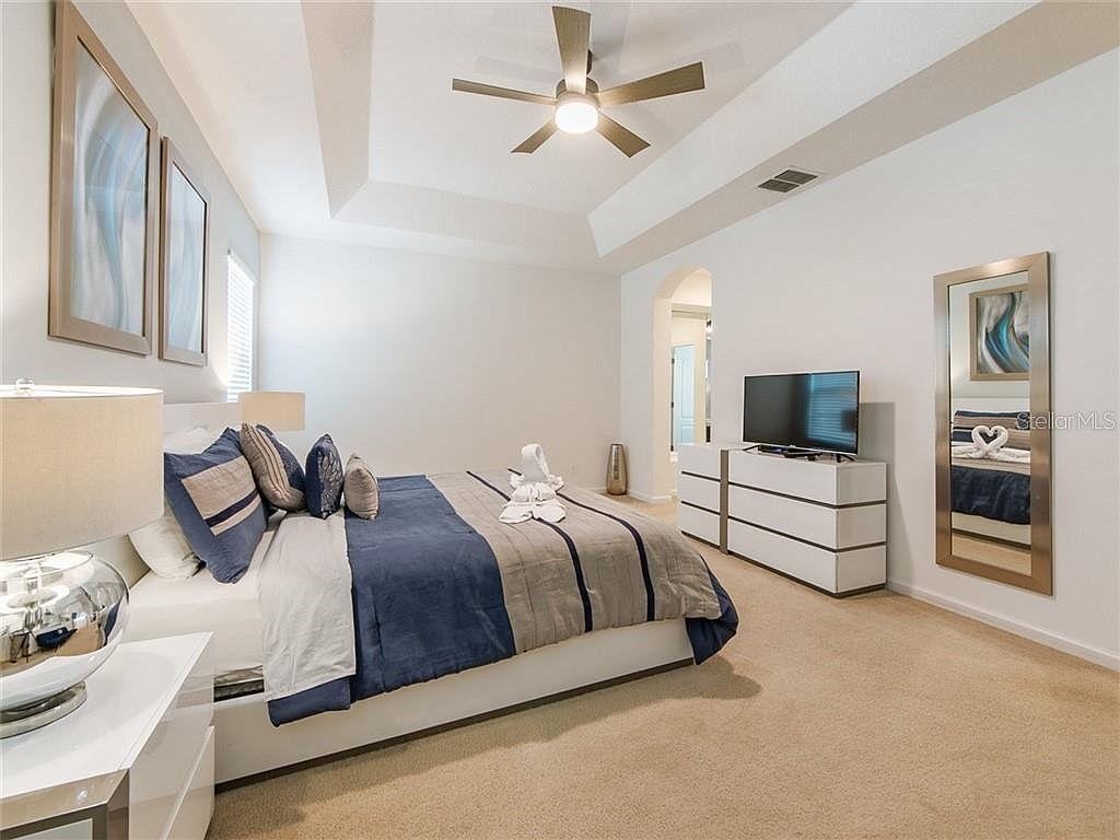 Bedroom 3 - Master with King Bed, en-suite bathroom, TV, features futon (upstairs)