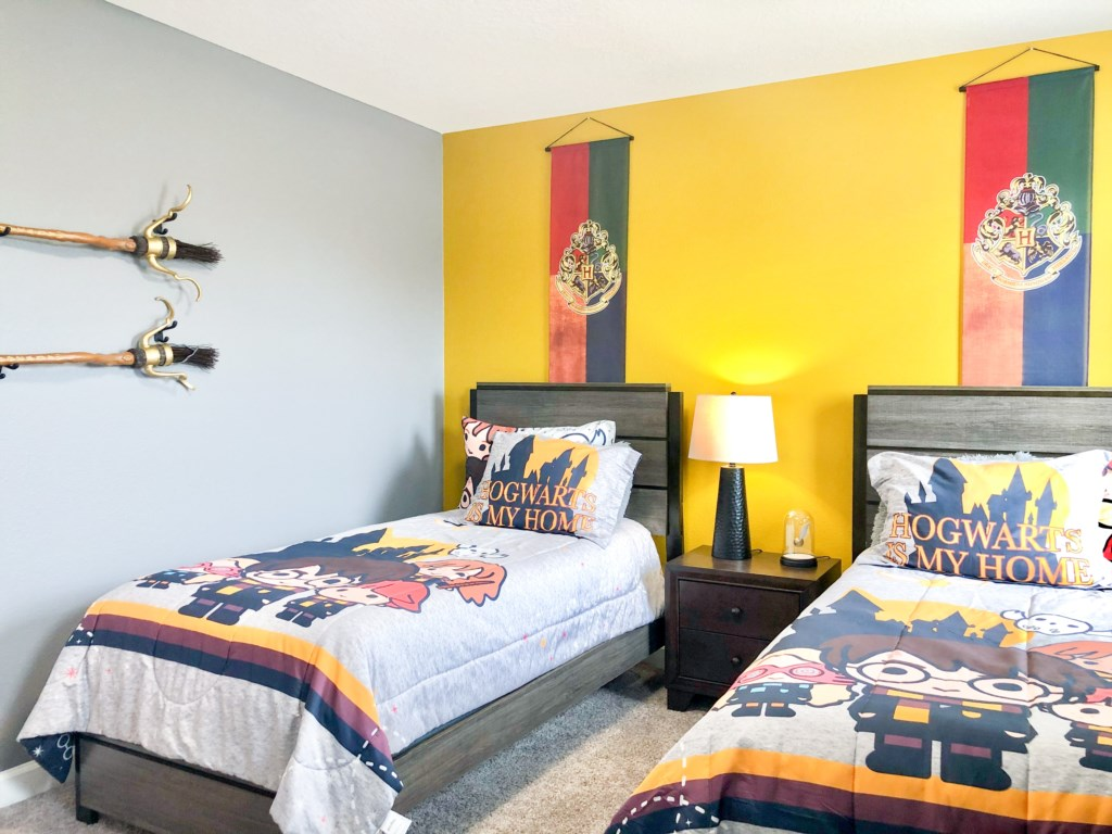 Upstairs | Bedroom 5 - Twin Bed (Harry Potter themed)