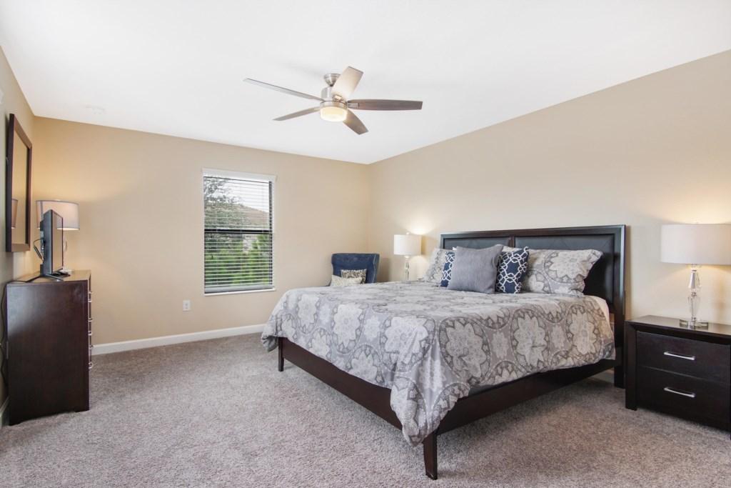 Upstairs | Bedroom 3 - Master King Bed with en suite bathroom