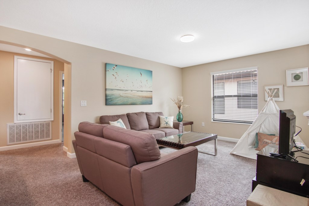 Upstairs Loft - sofa, 32