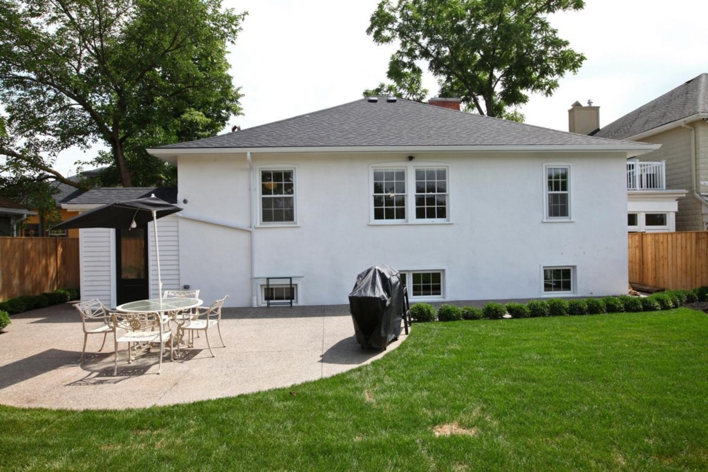 Private Backyard - The White House Vacation Rental - Niagara-on-the-Lake