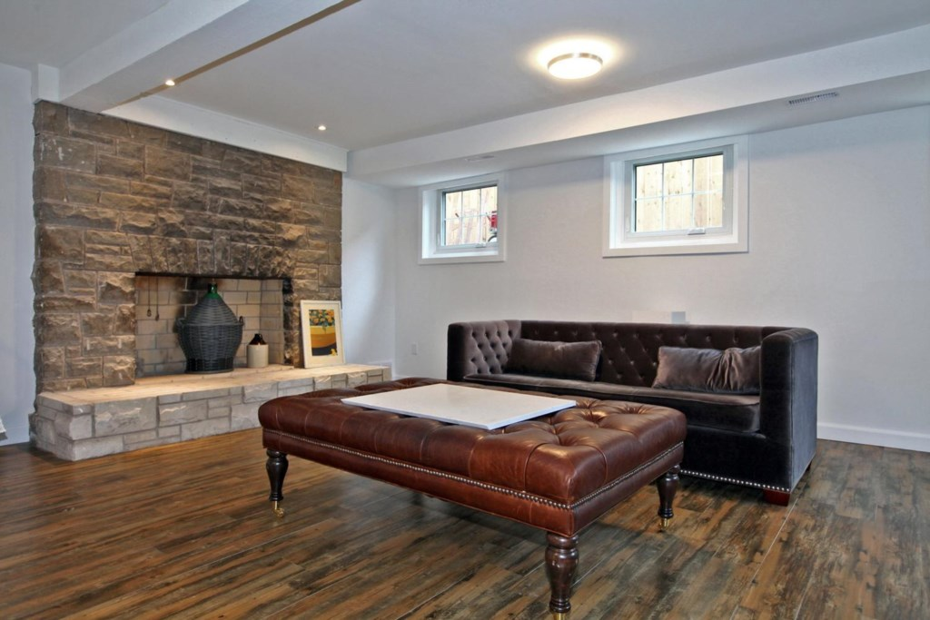 Lounge in the quiet basement - The White House Vacation Rental - Niagara-on-the-Lake