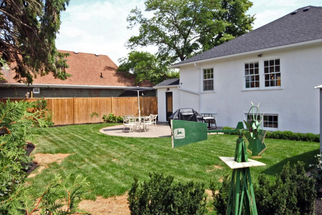 Escape to the secluded backyard - The White House Vacation Rental - Niagara-on-the-Lake