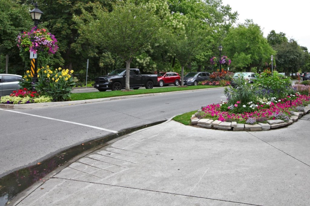 Located close to Simcoe Park - The White House Vacation Rental - Niagara-on-the-Lake