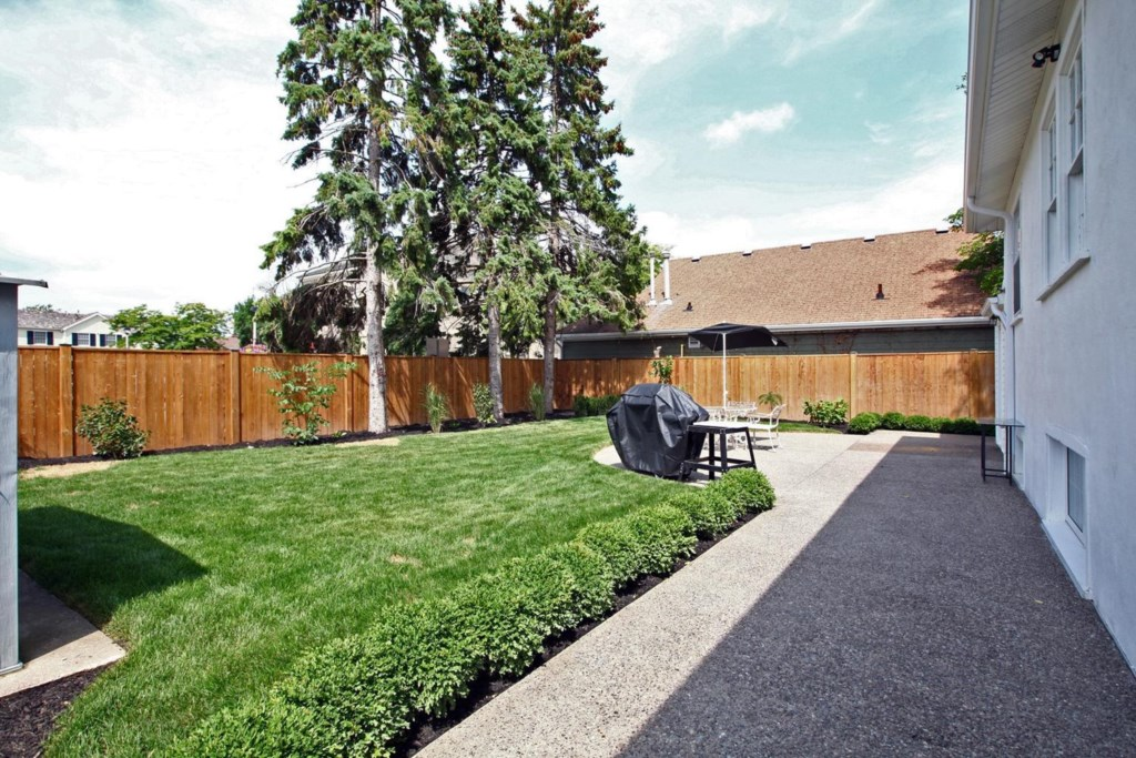 BBQ/grill in private backyard - The White House Vacation Rental - Niagara-on-the-Lake