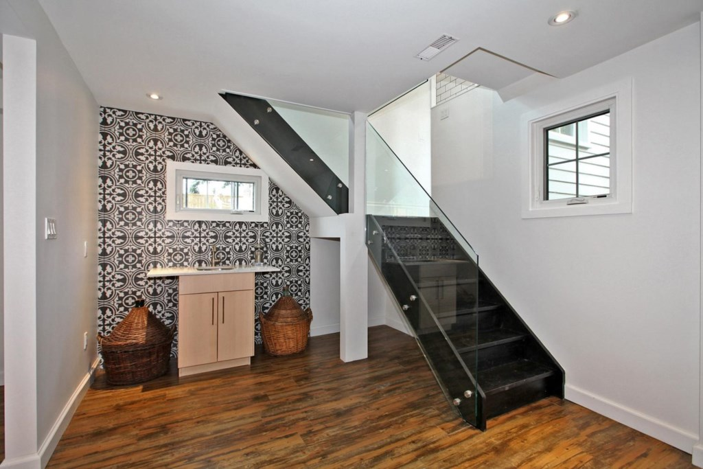 Wet bar in the basement - The White House Vacation Rental - Niagara-on-the-Lake