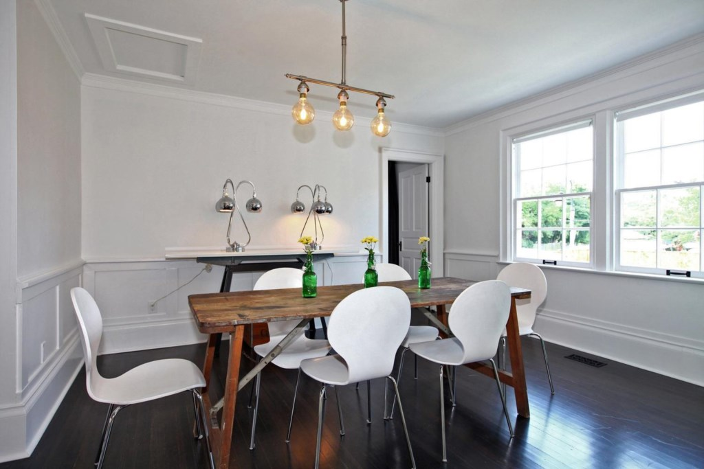 Dining Room - The White House Vacation Rental - Niagara-on-the-Lake