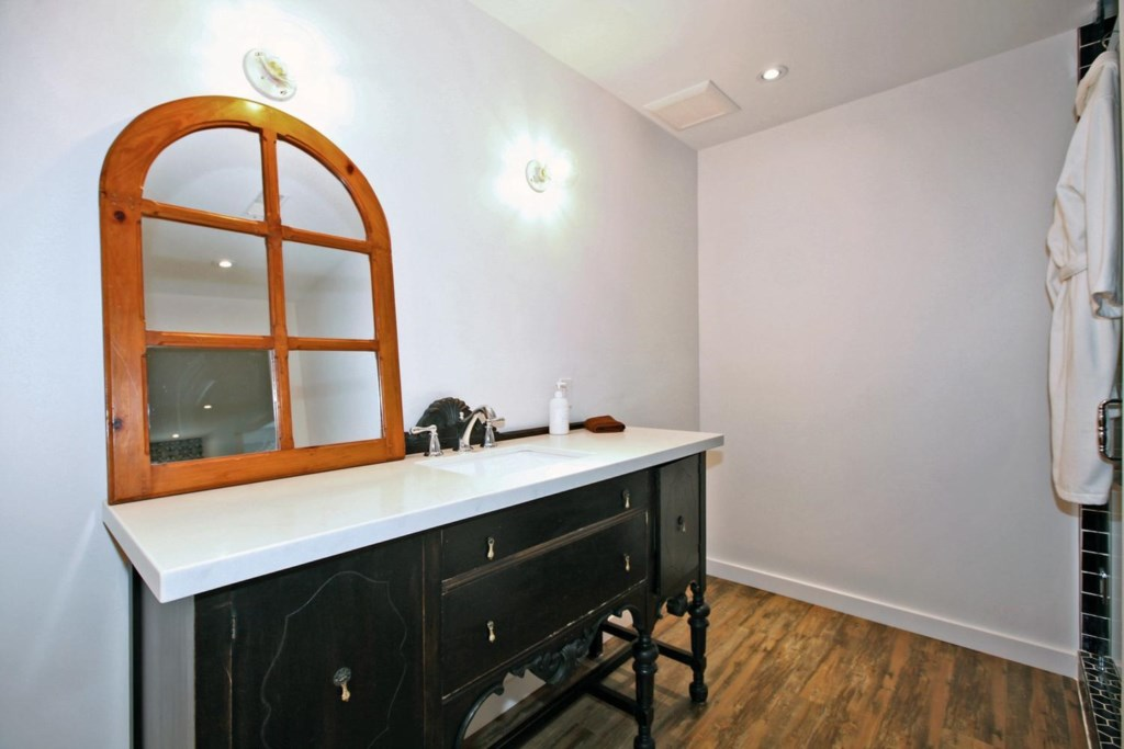 Full Bath in the Basement - The White House Vacation Rental - Niagara-on-the-Lake