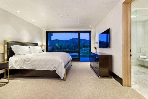 Guest Room 3.jpeg