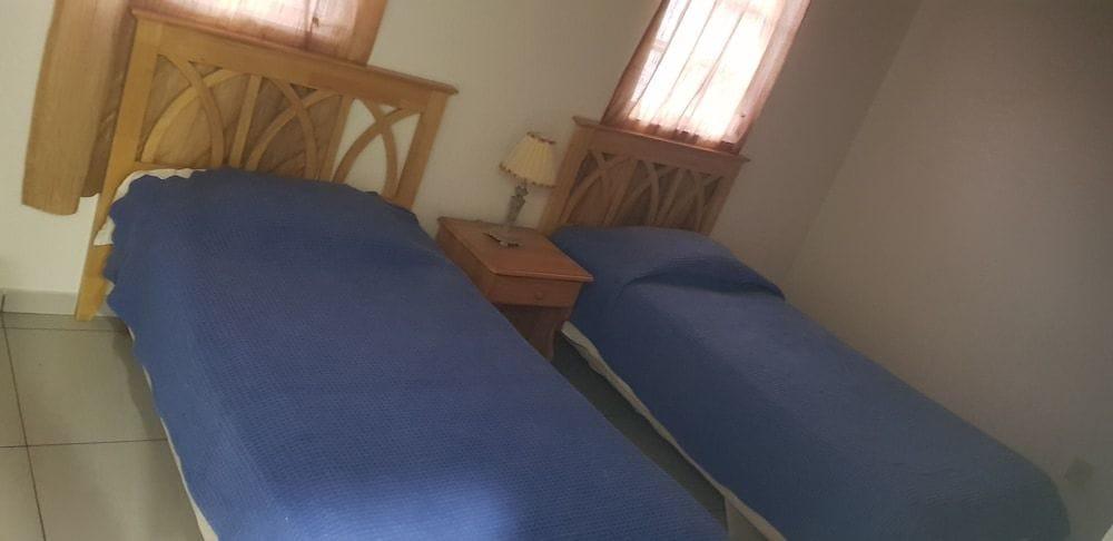 237C Guest bedroom.jpg
