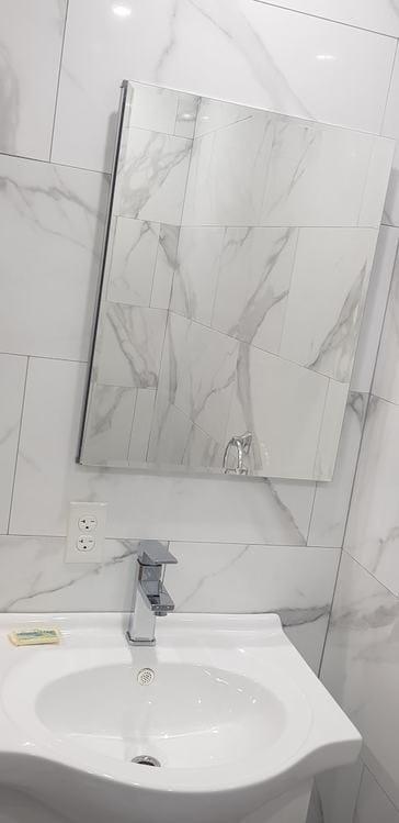 237C Master bathroom 2.jpg