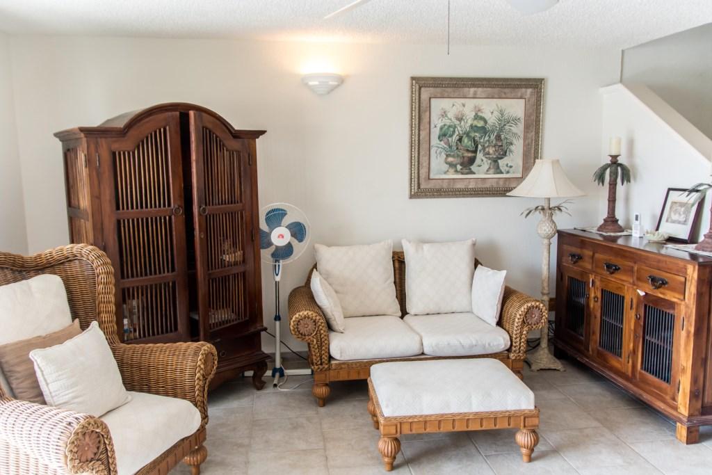 225B Living room.jpg