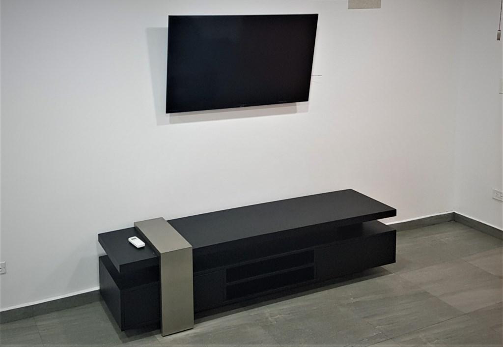 401D (living room).jpg