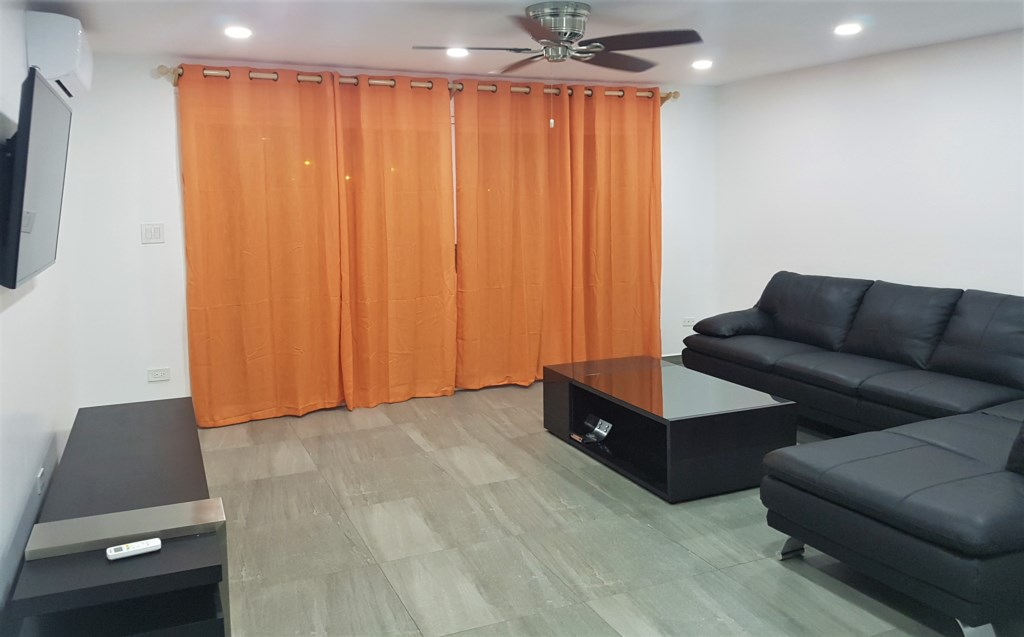 Living Room (401D).jpg