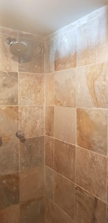 249D Bath 2.jpeg