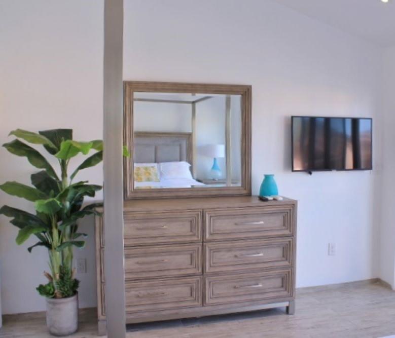 229E (Master bedroom 2).JPG