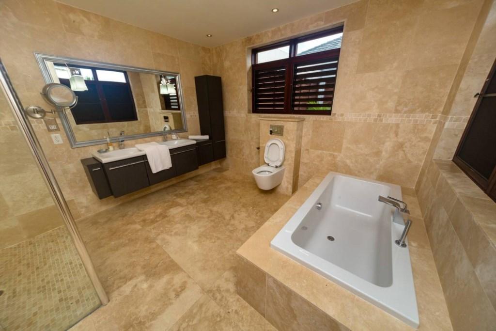 main-bathroom210.jpg