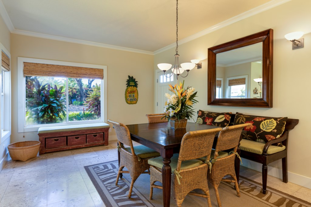 Dining Area to accommodate 6 guests