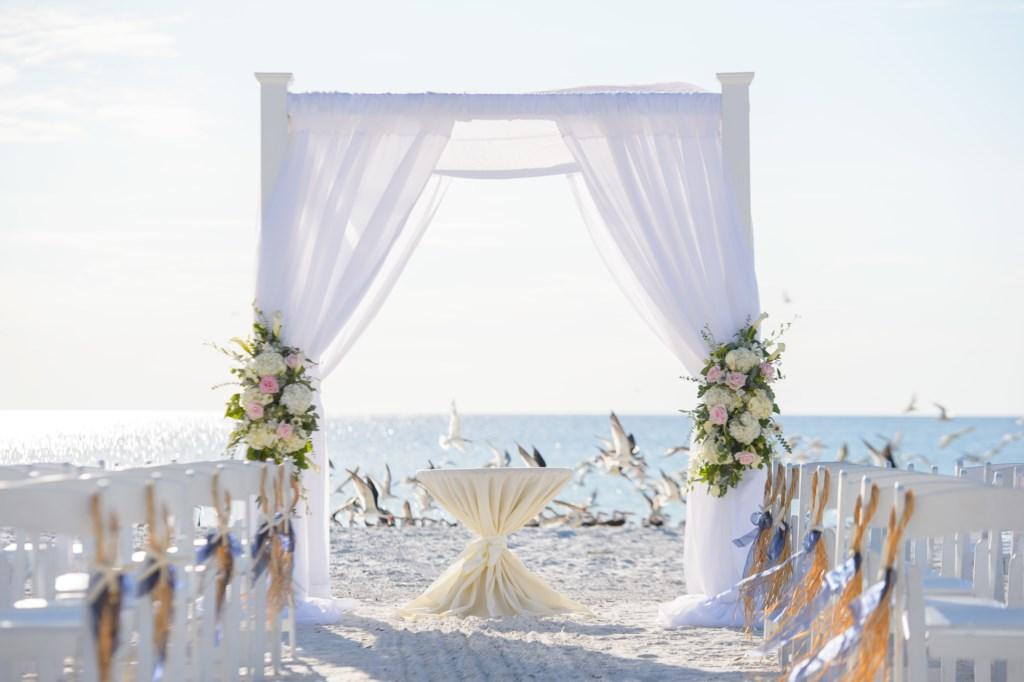 Arrange a wedding on the Beach