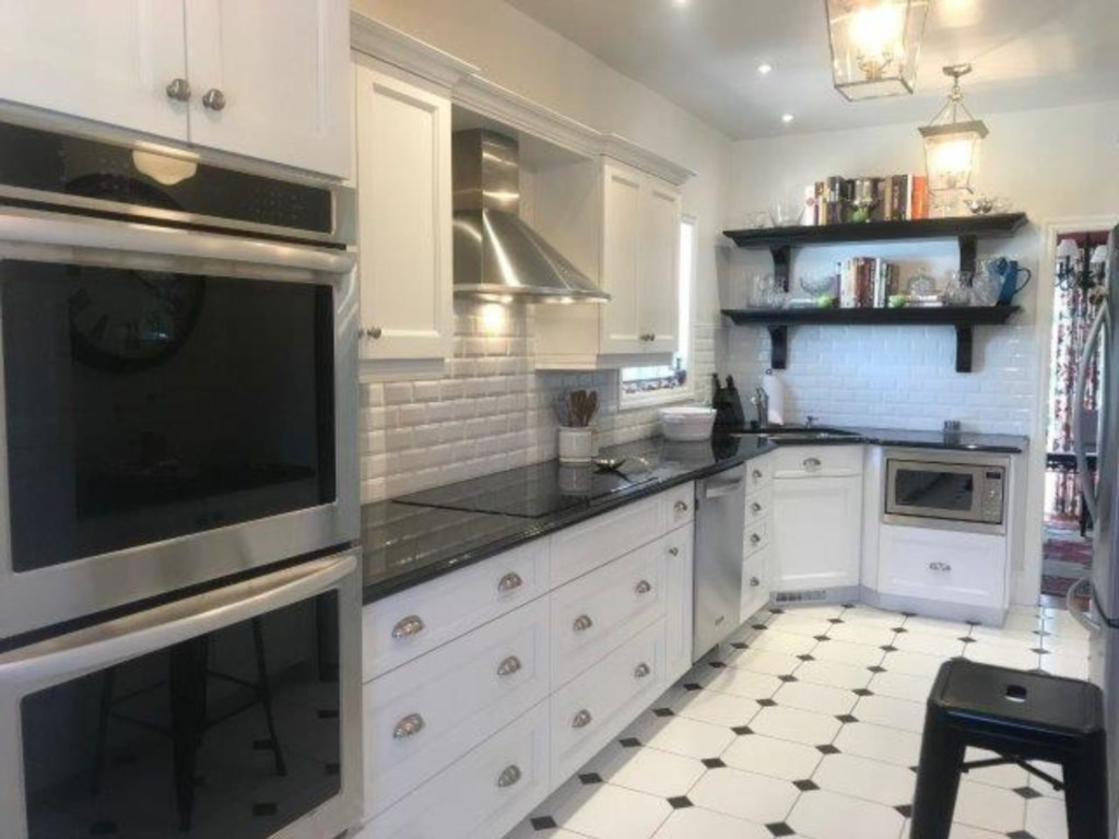 Fully-equipped Gourmet Kitchen - Butler House Vacation Rental - Niagara-on-the-Lake
