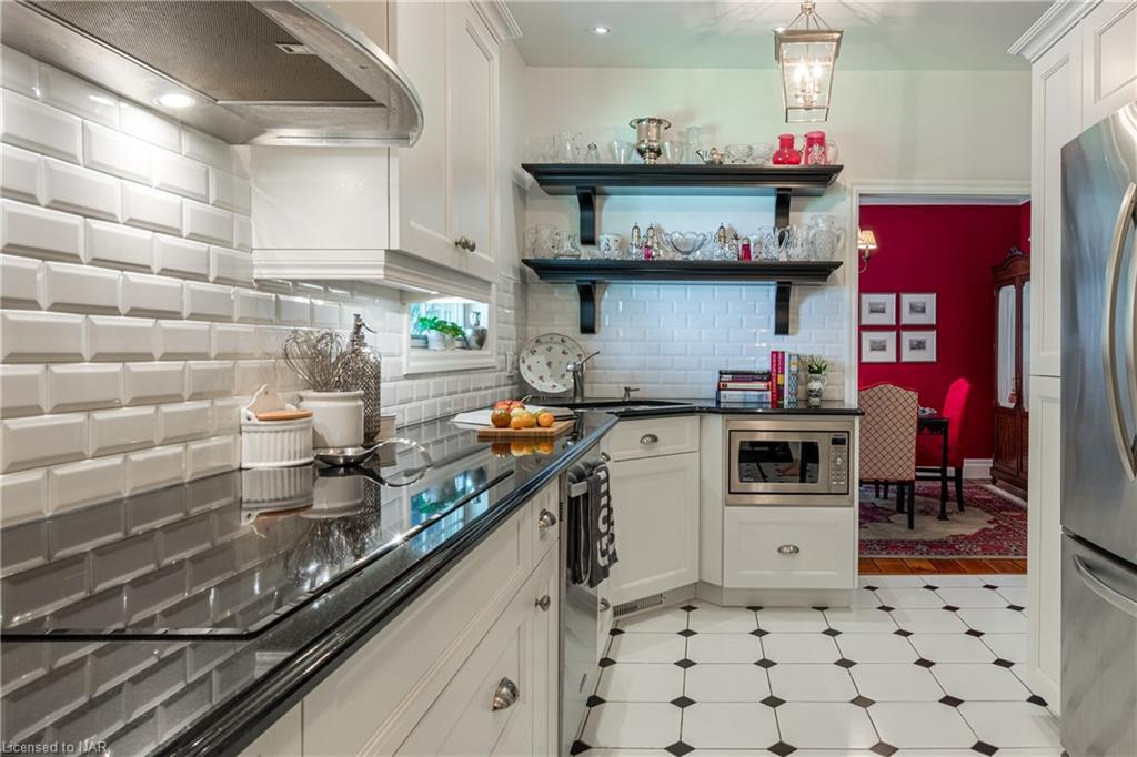 Gourmet Kitchen - Butler House Vacation Rental - Niagara-on-the-Lake