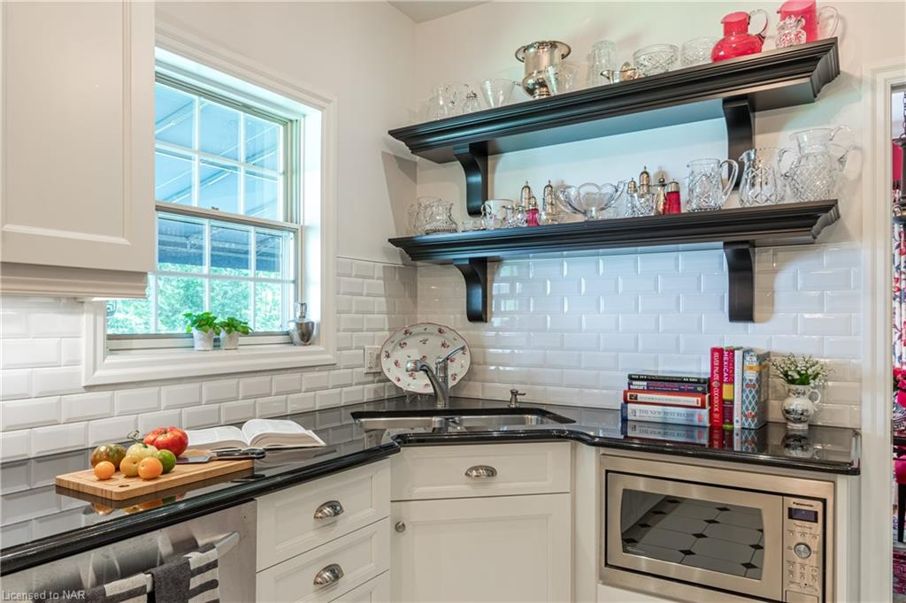 Kitchen - Butler House Vacation Rental - Niagara-on-the-Lake