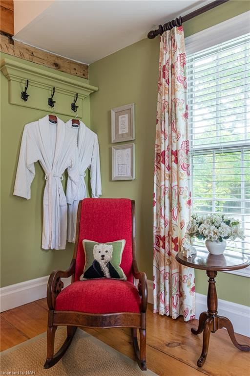 English Country Decor - Butler House Vacation Rental - Niagara-on-the-Lake