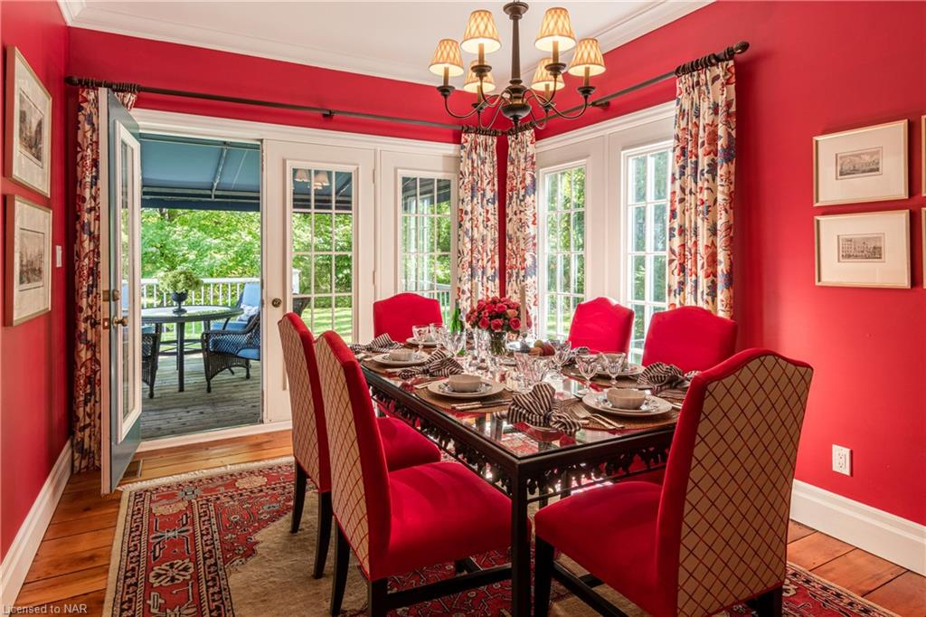Dining Room with access to back deck - Butler House Vacation Rental - Niagara-on-the-Lake