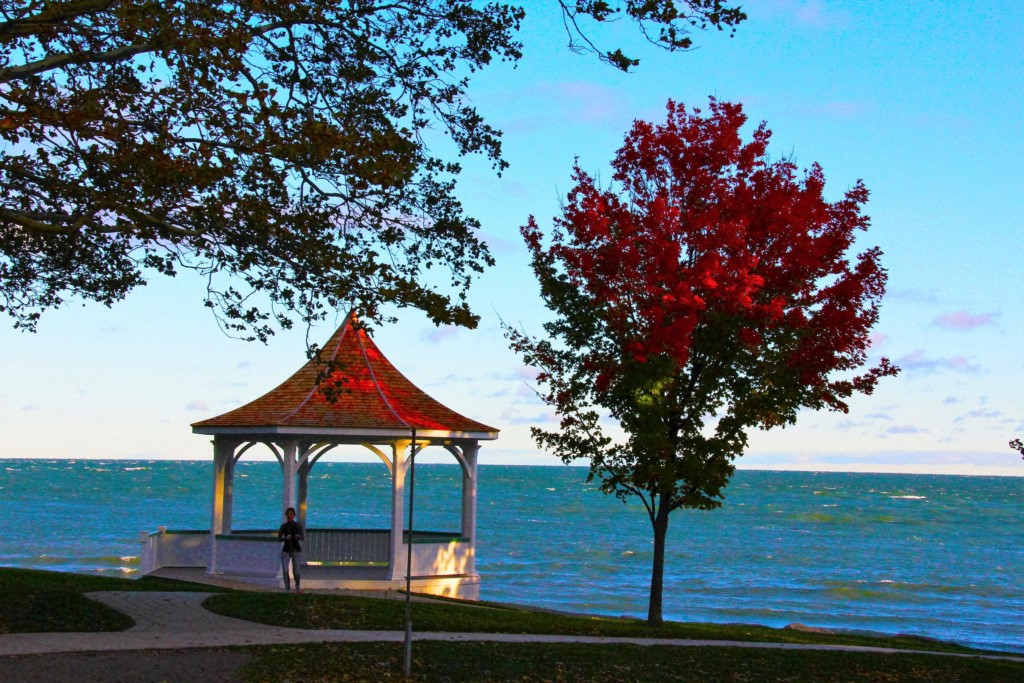 Gazebo overlooking Lake Ontario - Niagara-on-the-Lake
