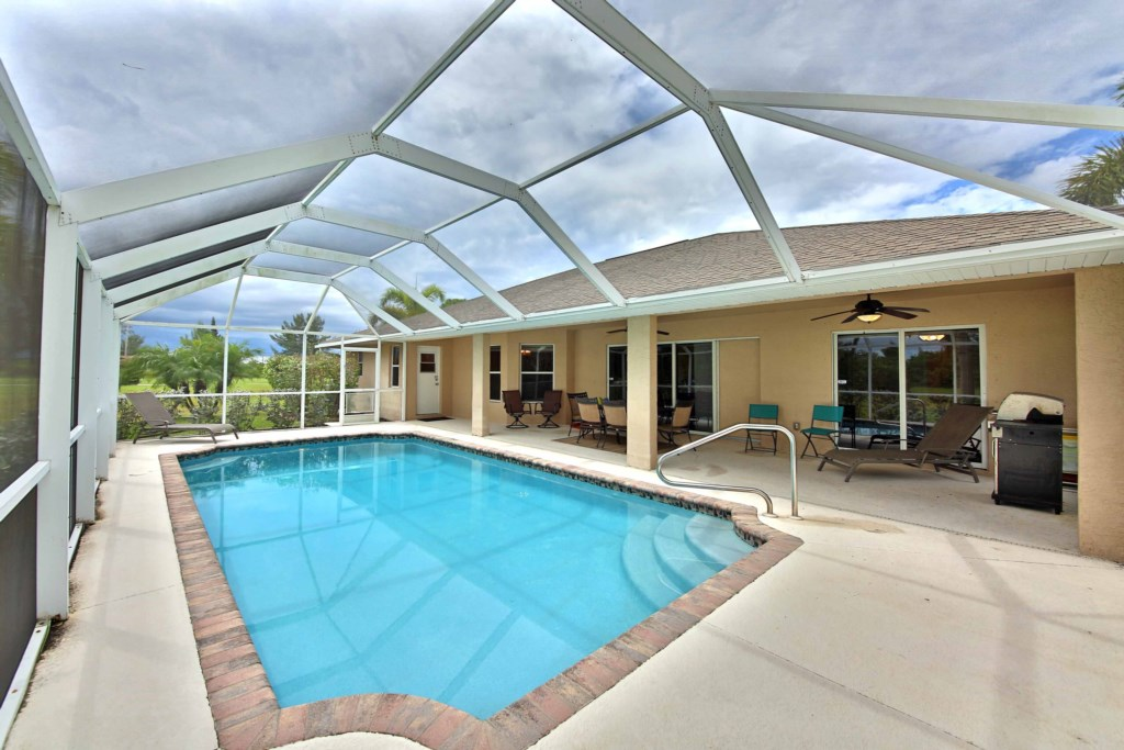 Soak up the Florida sunshine in your Private Pool