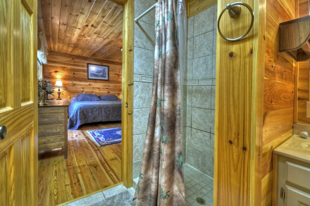 En-suite walk-in shower