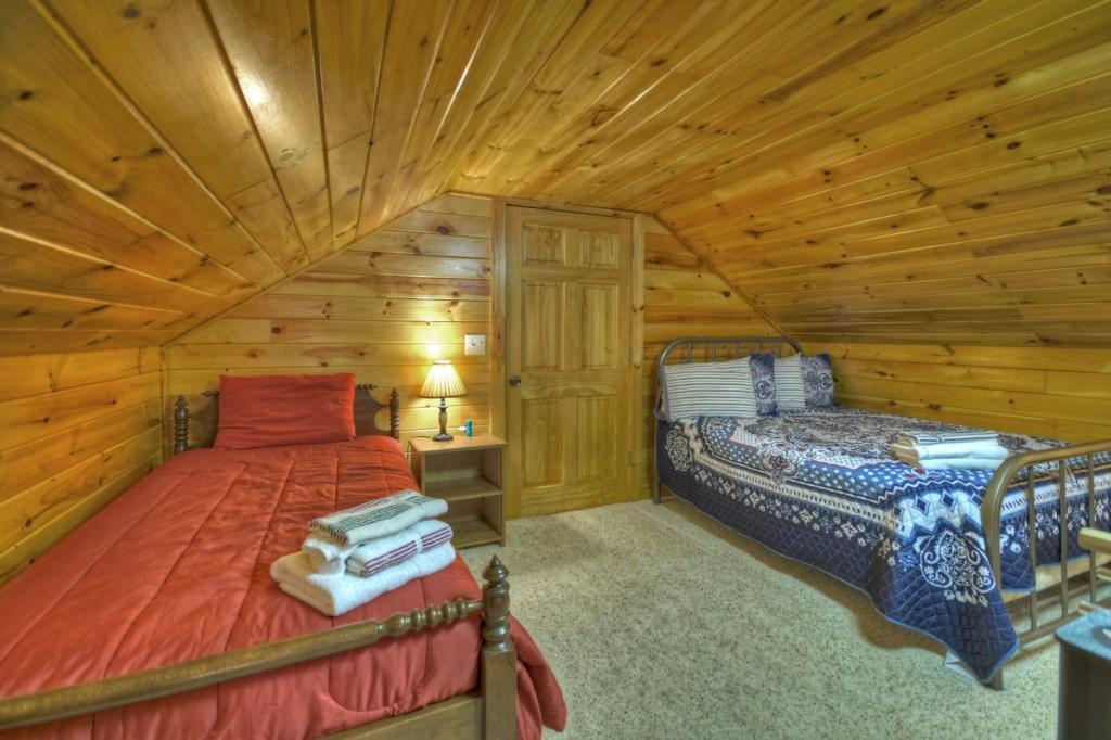 Comfortable twin loft bedroom