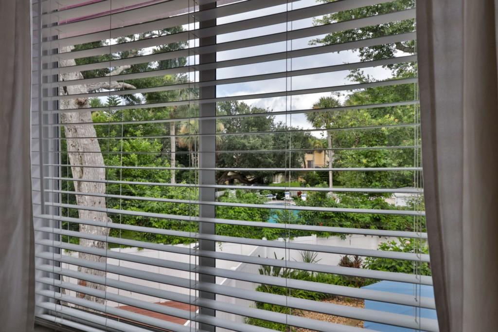 4023 Saxon Drive Web Ready-18.jpg