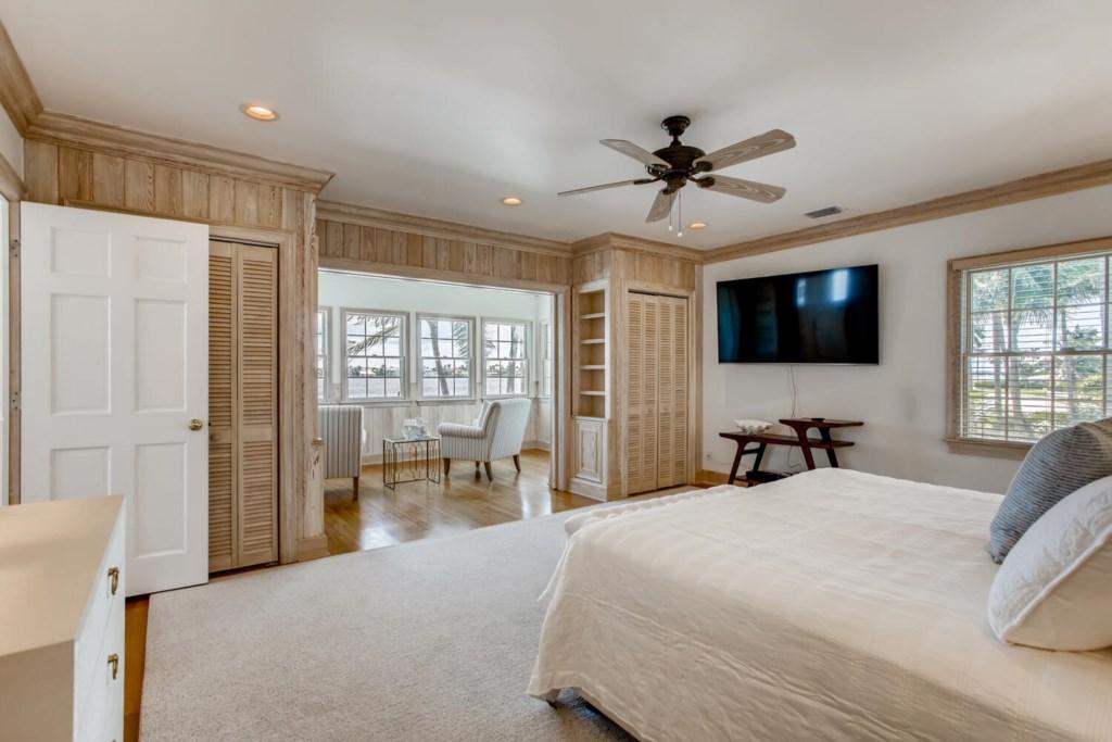 2121 S Flagler Dr West Palm-large-013-009-2nd Floor Master Bedroom-1500x1000-72dpi.jpg
