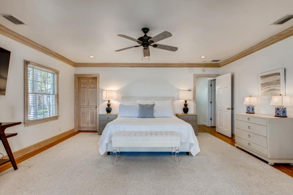 2121 S Flagler Dr West Palm-large-014-013-2nd Floor Master Bedroom-1500x1000-72dpi.jpg