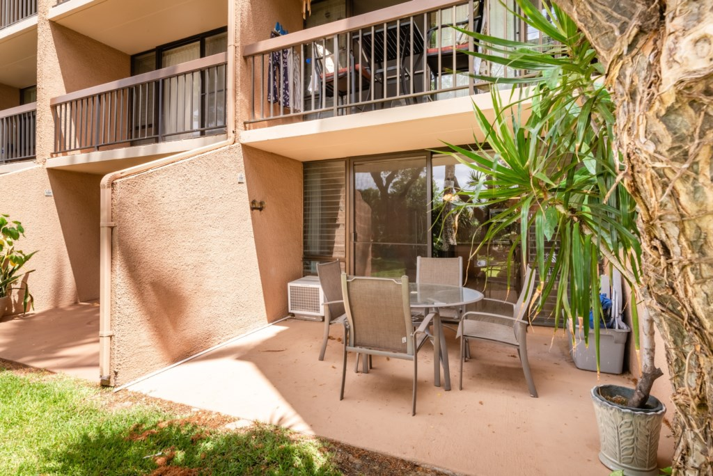 Beautiful Covered Lanai