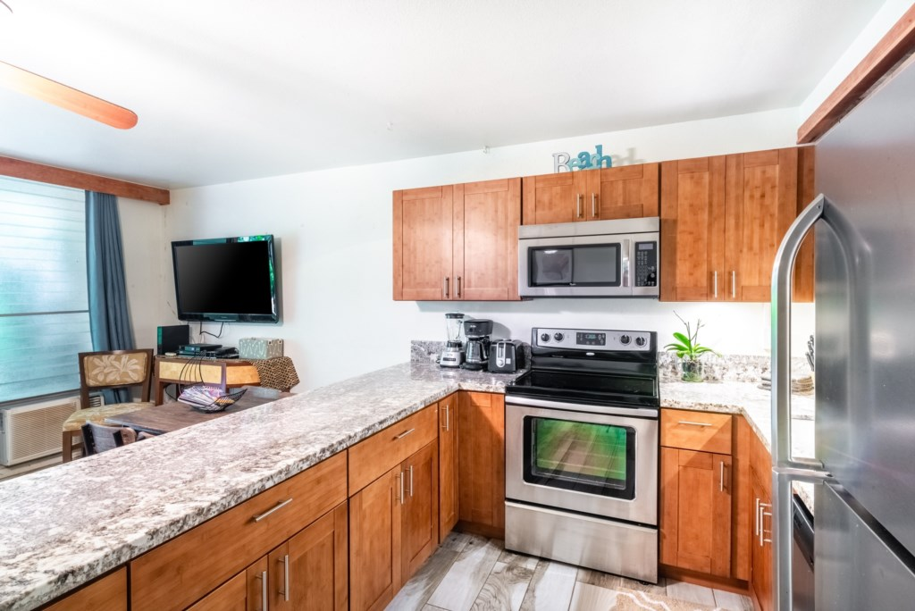 Newly Renovated Kitchen and Amenities