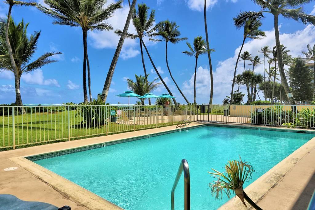 Stunning Oceanfront Pool