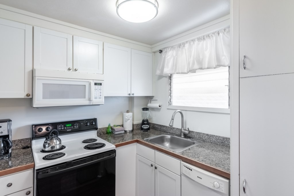 Charming Kitchen Ready for a Chef