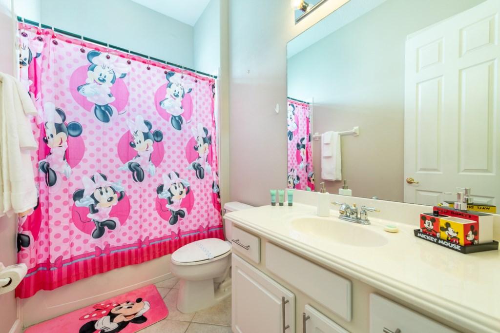 27-Bath 4.jpg