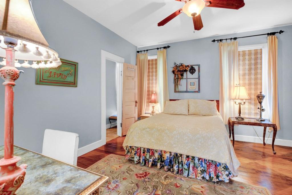 Guest Bedroom 1 Photo 1 of 3