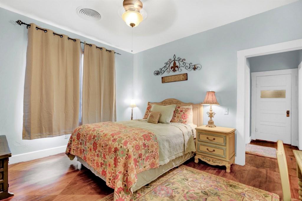 Guest Bedroom 2 Photo 1 of 3
