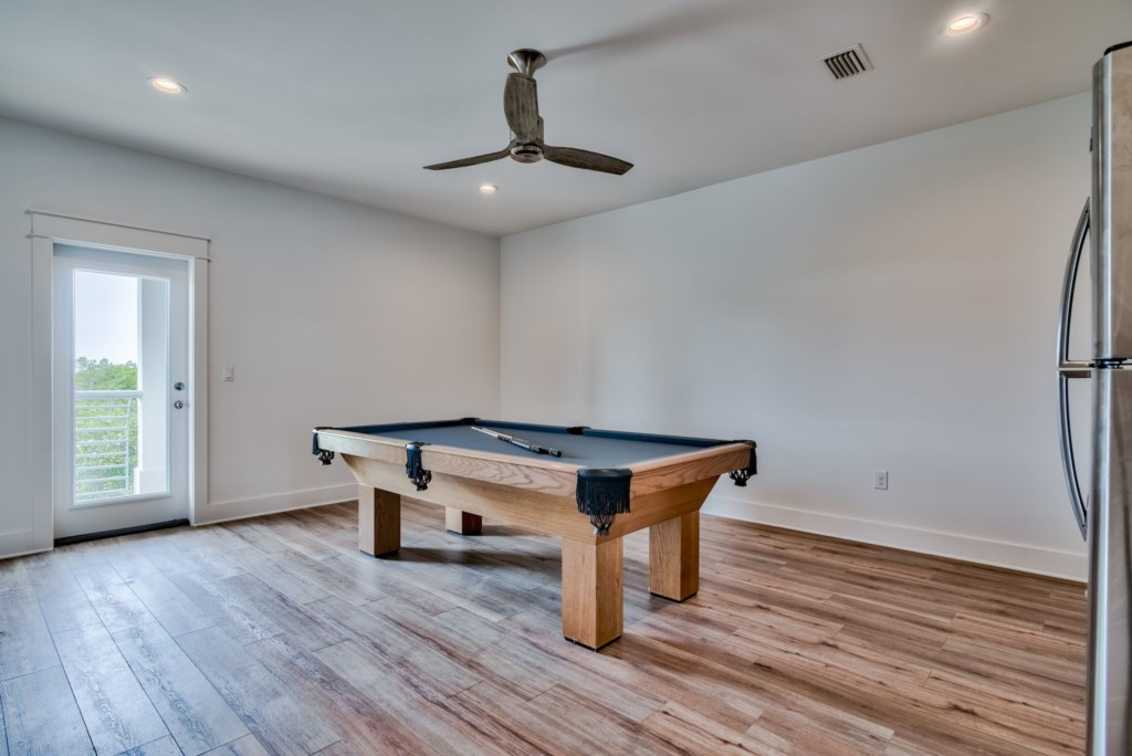 3rd Floor Pool Room