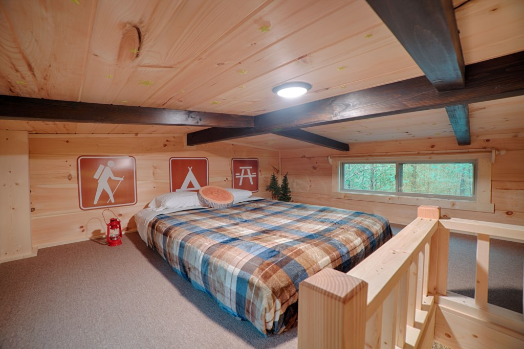 All microlofts have a queen bed (Cabin C decor)