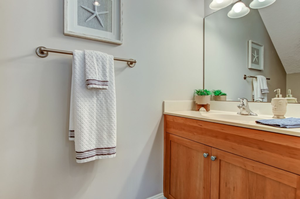 10867thStSJacksonvilleBeach-14-web-PowderRoom