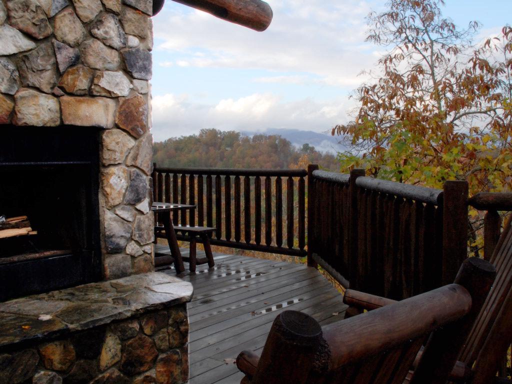 WS10 exterior fireplace