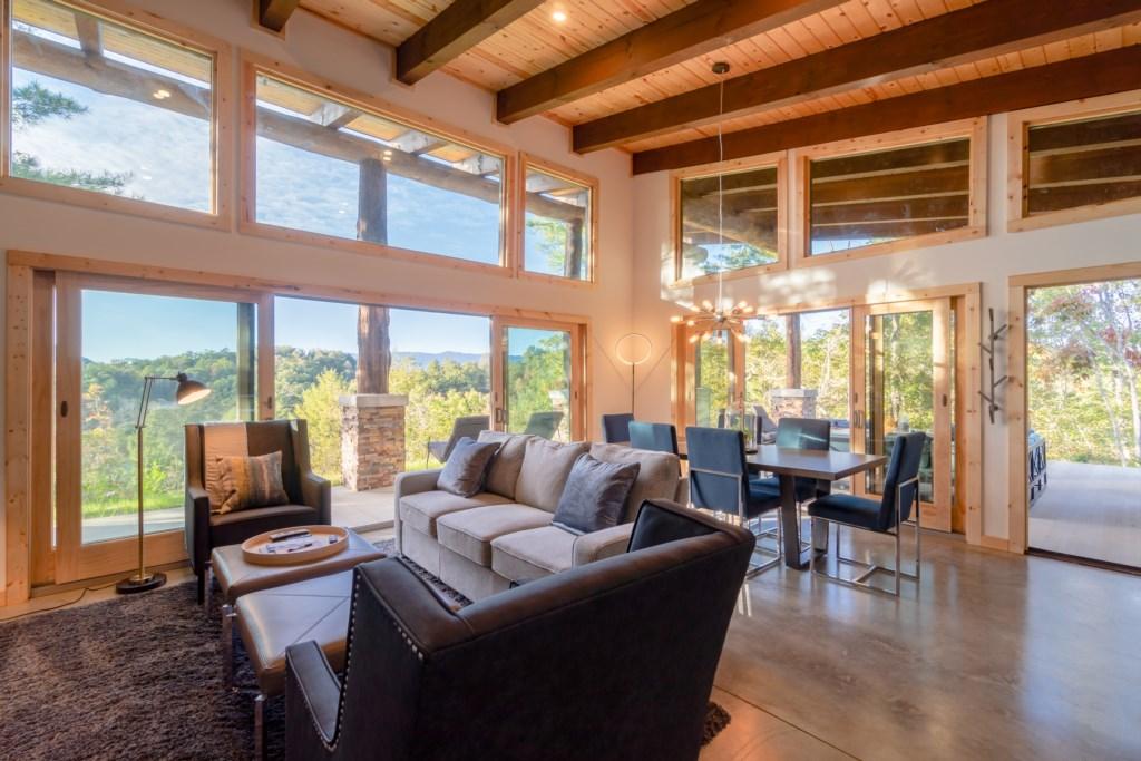Pointe D Living Room/Dining Room