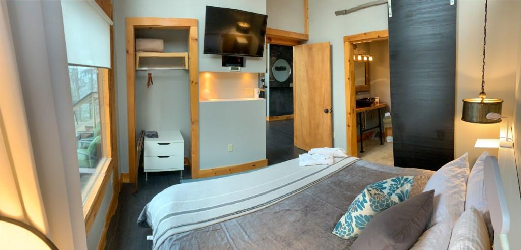 Loft 1 bedroom with tv